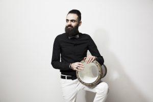 Saif Al Qaisi, joueur de percussion et chanteur